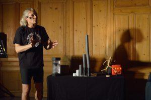 """Conférence gesticulée """"TIC#TAC, le Temps c'est de l'Argent"""" de Philippe CAZENEUVE"""